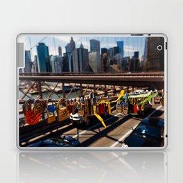 Lovelock On Brooklyn Bridge, New York 2015 Laptop & iPad Skin