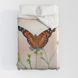 Compelling Enthralling Winged Insect Nourishing Blossom Nectar UHD Duvet Cover