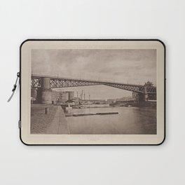 Arsenal de Brest. Pont Tournant Les Travaux Publics de la France Laptop Sleeve