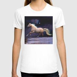 horse galloping T-shirt