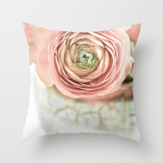 I love buttercups Throw Pillow