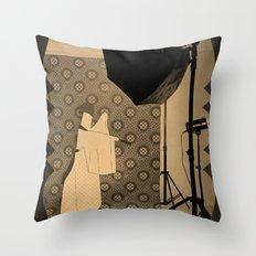 楽屋 Throw Pillow