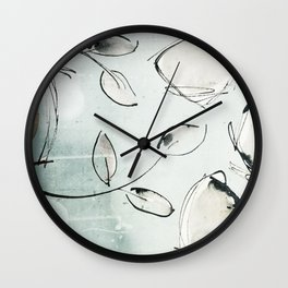des feuilles d'encre au premier jour de l'automne Wall Clock