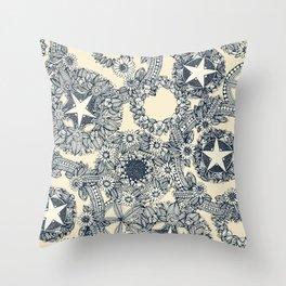 cirque fleur cream Throw Pillow