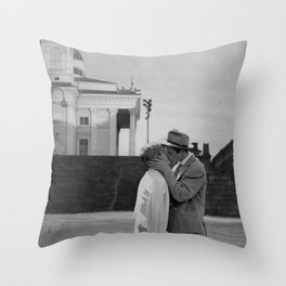 Collage Á bout de souffle (Breathless) - Jean-Luc Godard Throw Pillow