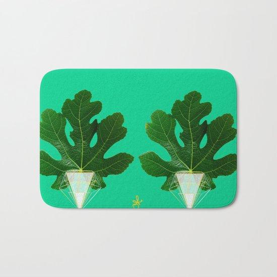 Fig Leaf Diamond Christmas Tree Bath Mat