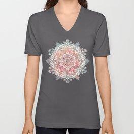 Autumn Spice Mandala in Coral, Cream and Rose Unisex V-Ausschnitt