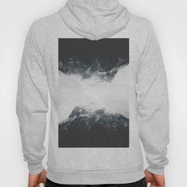 reflect / mountain reflection in black&white / adventure artprint Hoody
