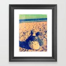 Totoro says HI to you ^_^ Framed Art Print