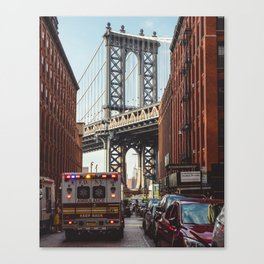 Gold hour rush in Brooklyn Canvas Print