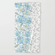 Gray arrows and blue flowers Beach Towel