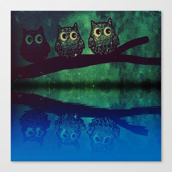 owl-77 Canvas Print