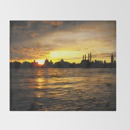 New York Sunset Throw Blanket