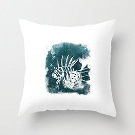 Feuerfisch Throw Pillow