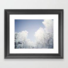 Alles ist weiß Framed Art Print