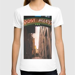 Post Alley in Seattle Washington T-shirt