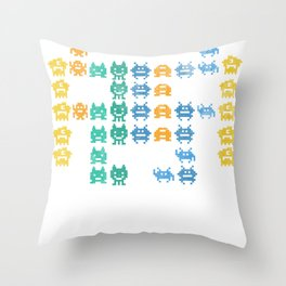 gaming space alien invaders arcade games t shirt Throw Pillow