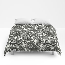 Ivory White Paisley Pattern Comforters