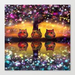 owl-110 Canvas Print
