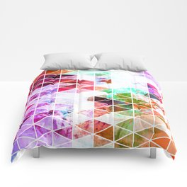 Pink Grungy Triangle Design Comforters