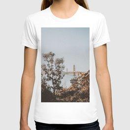 san francisco, california / golden gate bridge T-shirt