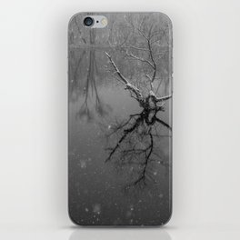 Tapering Turret - Minute Men National Park iPhone Skin