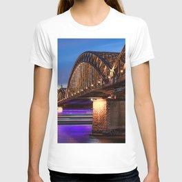 World Popular Hohenzollernbrücke Köln Cologne North Rhine Westphalia Germany Timelapse Ultra HD T-shirt