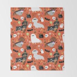 Dachshund dog breed halloween cute pattern doxie dachsie dog costumes Throw Blanket