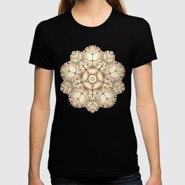 Beige elegant ornament fretwork Baroque style T-shirt