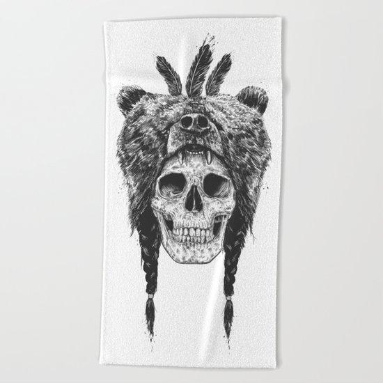 Dead shaman (b&w) Beach Towel