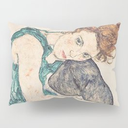 SEATED WOMAN WITH BENT KNEE - EGON SCHIELE Pillow Sham