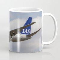 scandinavian Mugs featuring Scandinavian Airlines Boeing 737 by David Pyatt