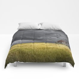 Thunderstorm on the Prairie with abandoned farmhouse Comforters