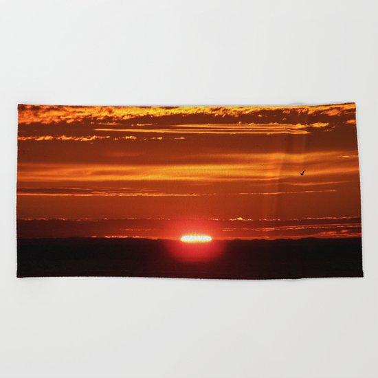 Red Sky Flight Beach Towel