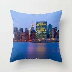 Beginning of the night over Manhattan Throw Pillow