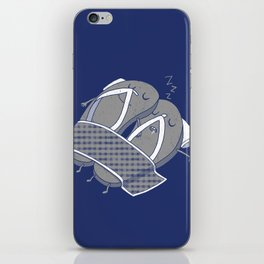 'sleep'pers iPhone Skin