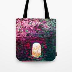 w y n d o Tote Bag
