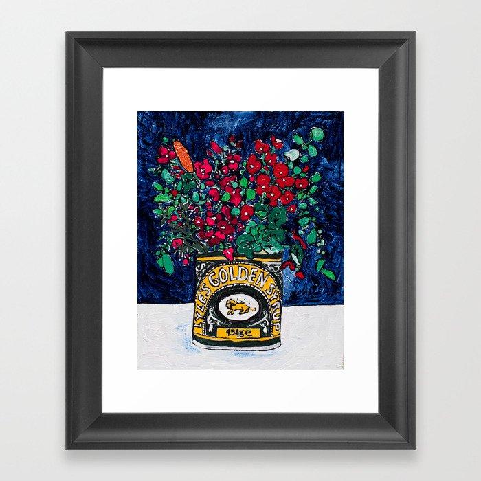 Wild Flowers in Golden Syrup Tin on Blue Gerahmter Kunstdruck