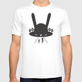 BLACK POND T-shirt