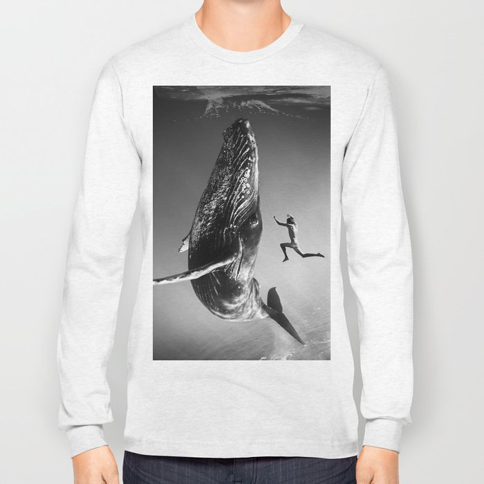 la baleine et le nageur Long Sleeve T-shirt