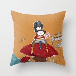Cogumelo Throw Pillow