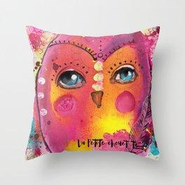 la petite chouette Throw Pillow