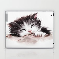 kitten sleeps Laptop & iPad Skin