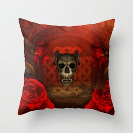 Creepy skull with roses, Throw Pillow