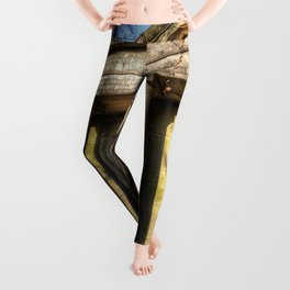 Kensal Green Mausoleum Leggings