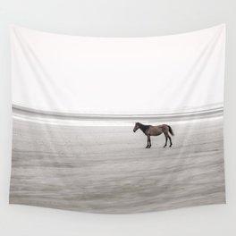 Horse a la playa Wall Tapestry