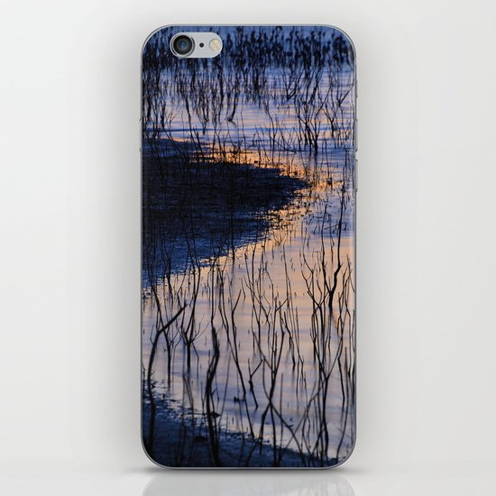 curved line iPhone & iPod Skin