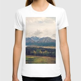 Fall Alaskan Mountain Crisp Landscape T-shirt