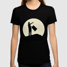 Fantastic Engineer And Moon Design T-shirt