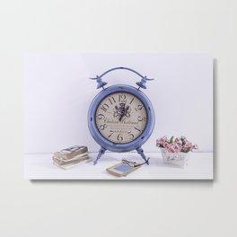 Bodegón de reloj vintage para el hogar Metal Print
